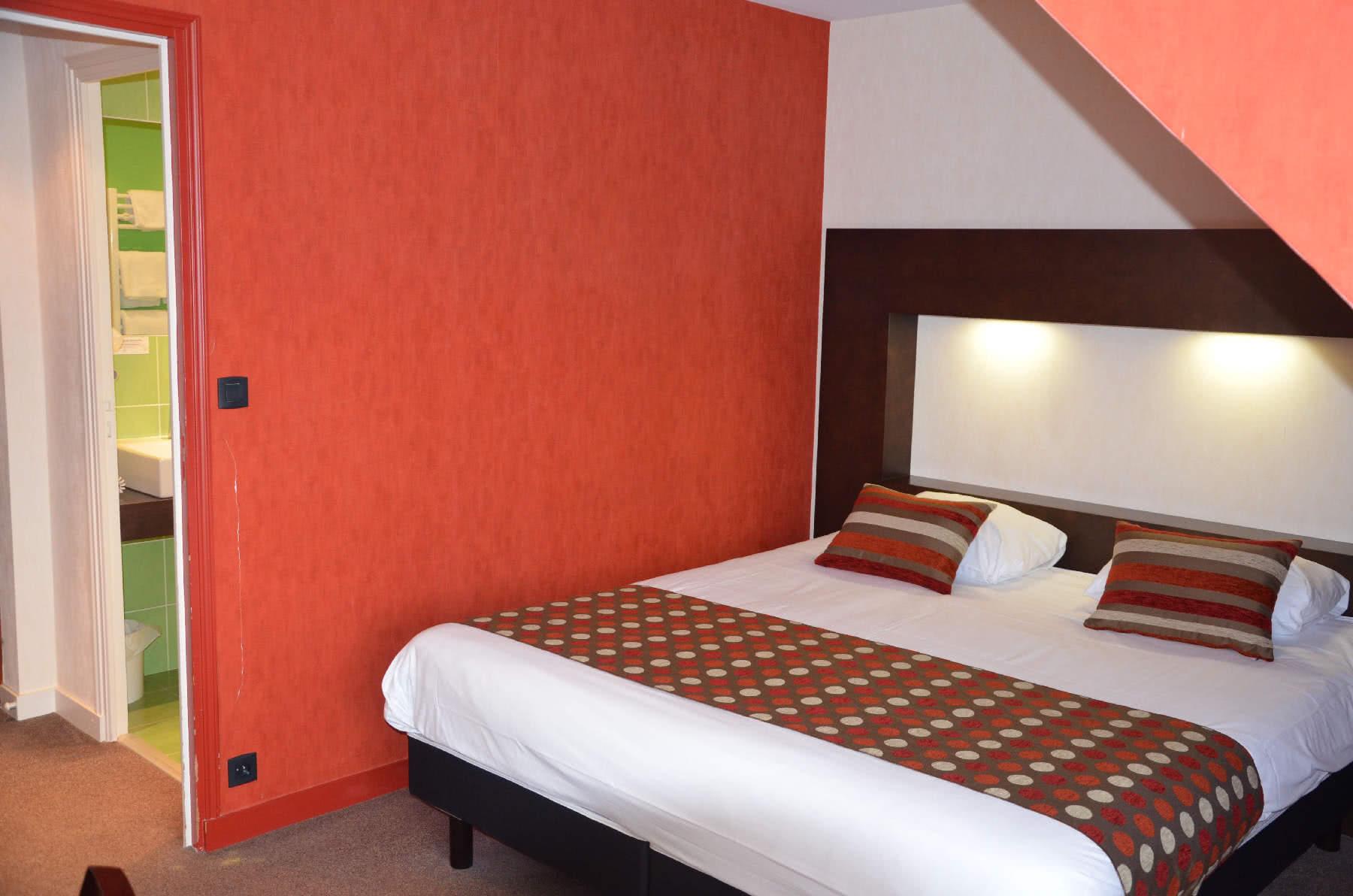 Chambre standard avec un lit double est idéale pour une ...